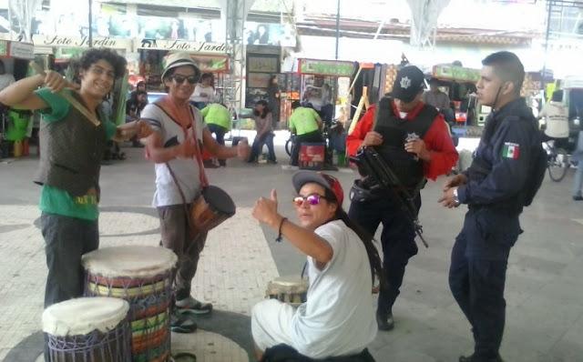 Ordenan meter a cárcel a jóvenes que toquen música sin permiso del secretario en Los Reyes